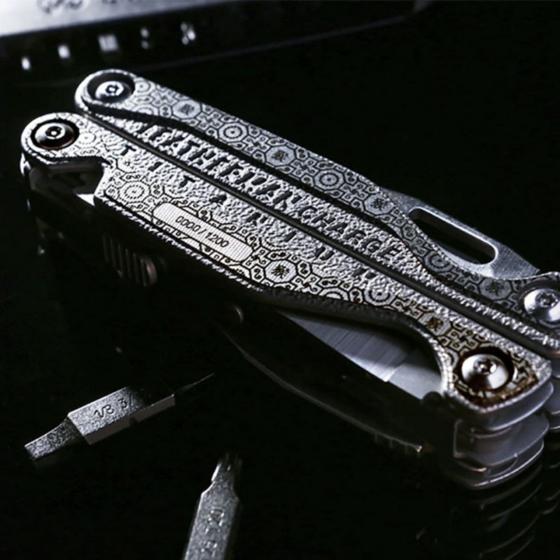 Dụng cụ đa năng Leatherman Charge TTi Year Of The Monkey 11